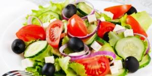 Fresh Healthy Greek Salad